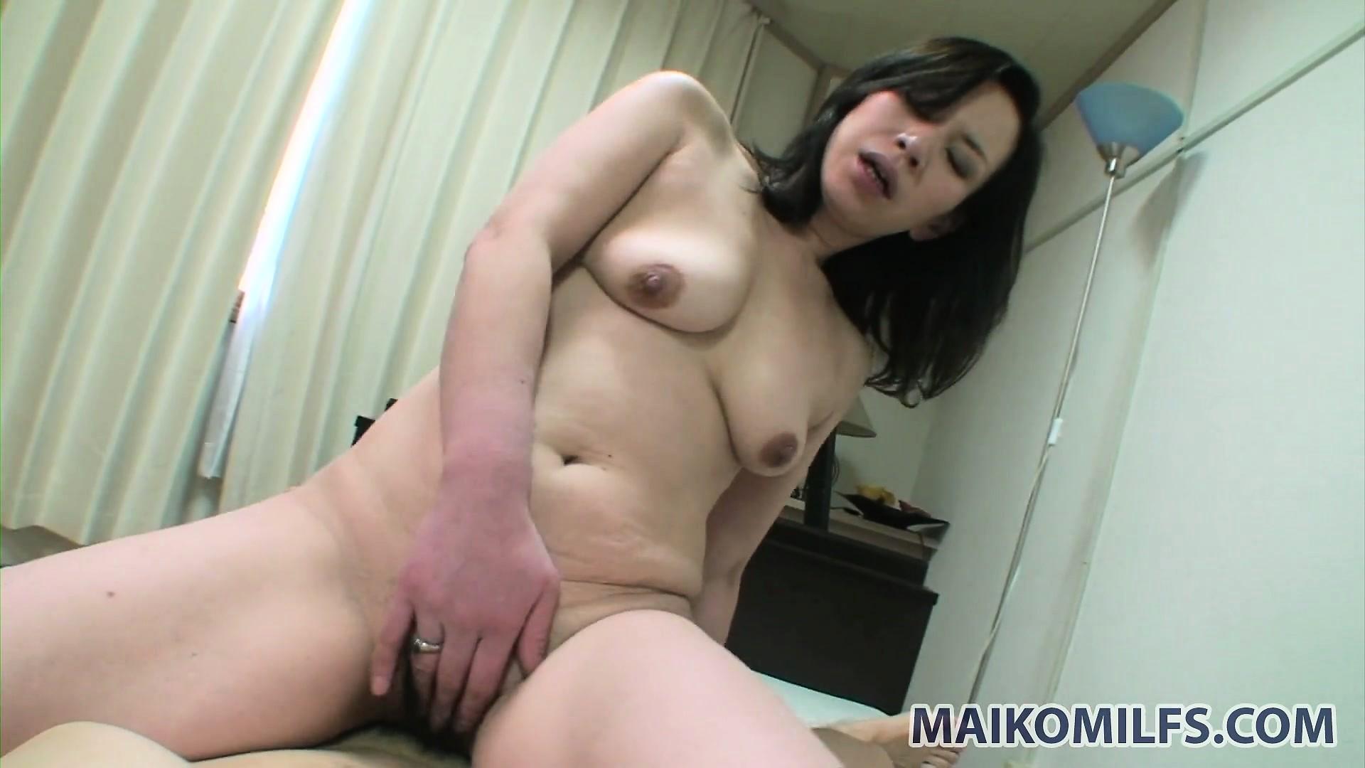 pornuha-yaponki-mama
